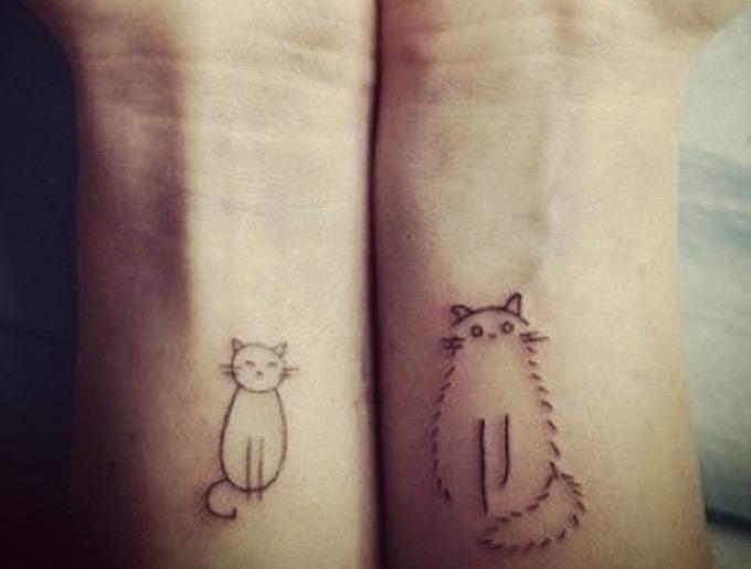 les meilleurs tatouages de chat pour les amoureux des f lins yummypets. Black Bedroom Furniture Sets. Home Design Ideas