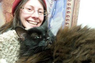 Une femme adopte le chat le moins adoptable du refuge et ne…